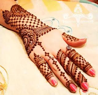 Best Back Hand Mehndi Design
