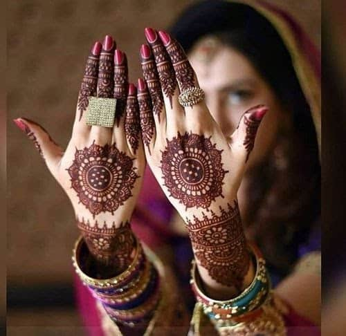 Mirror Effect Back Hand Mehndi Design